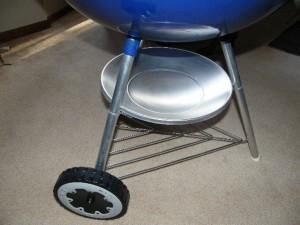 Leg assembly of blue 26 kettle