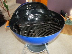 """26"""" Blue Weber kettle inside pic 2"""