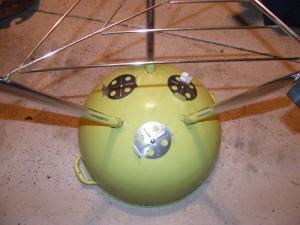 1974 Lime Green Kettle underside of bowl