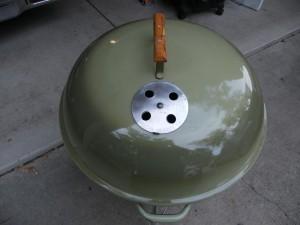 """1968-70 22"""" avacado lid closeup"""